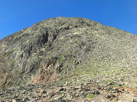 Après passage au sommet de la crête Sud-Ouest du col de Riufret ou de Rioufred (3041 m), montée vers le sommet de la Pica d`Estats
