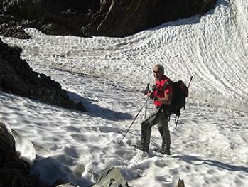 """Passage sur névé à hauteur du """"Petit col"""" 2900 mètres"""
