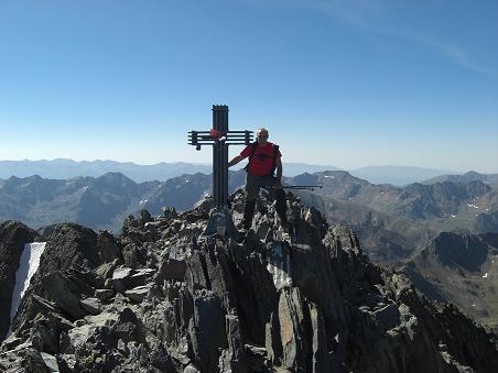 10 heures, arrivée au sommet de la Pica d'Estats 3143 mètres