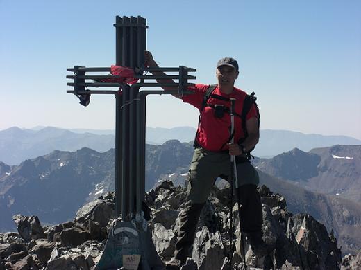 La croix sommitale de la Pica d'Estats 3143 mètres