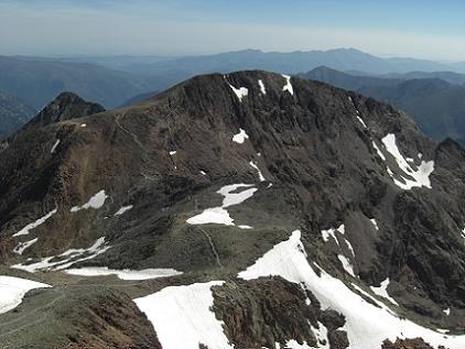 Du sommet de la Pica d'Estats 3143 mètres, le pic du Montcalm