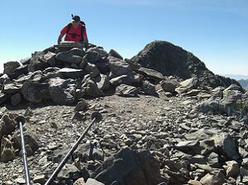 10 h.55 Arrivée au sommet du pic Verdaguer 3131 mètres, avec la Pica d'Estats dans le dos