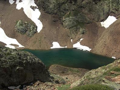 Retour en passant au-dessus de l'Etang d'Estats 2415 mètres