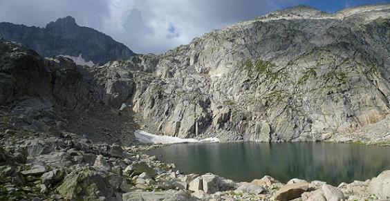 Passage près du lac coté 2583, il faut viser le talweg qui est sous le pic Long