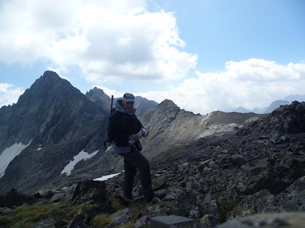 Au sommet du pic ou Pale de Crabounouse 3021 m, devant le pic Long