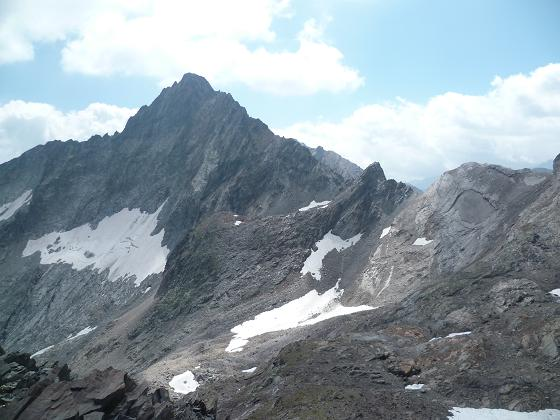 Du sommet Nord-Est du pic de Crabounouse, coté 3016, le pic Long