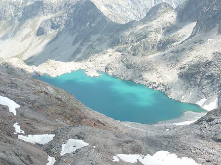 Du sommet du pic de Bugarret 3031 m, le lac Tourrat