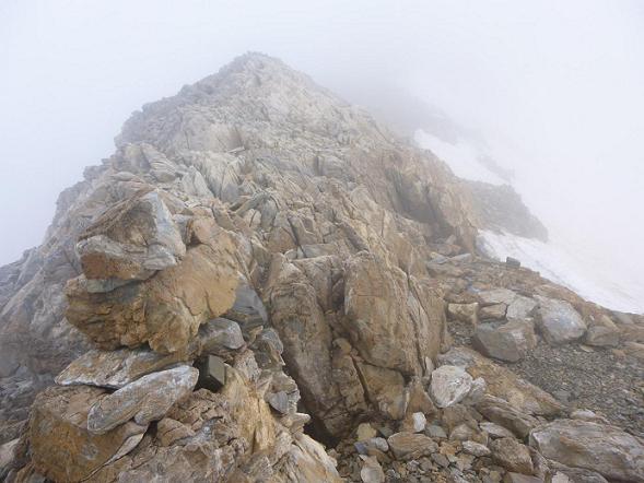 Arrivée sur la crête au col Lady Lyster (3200 m)