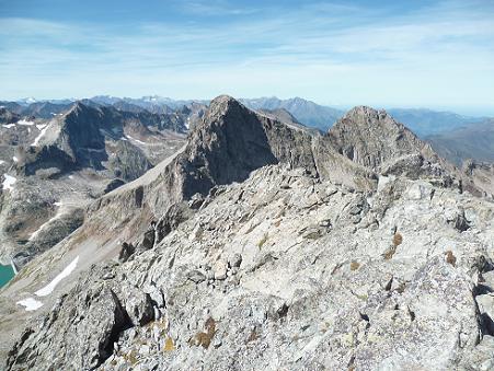 Du sommet du pic des Crabioules Occidental (3106 m), Vignemale, Néouvielle, Lézat et Grand Quayrat
