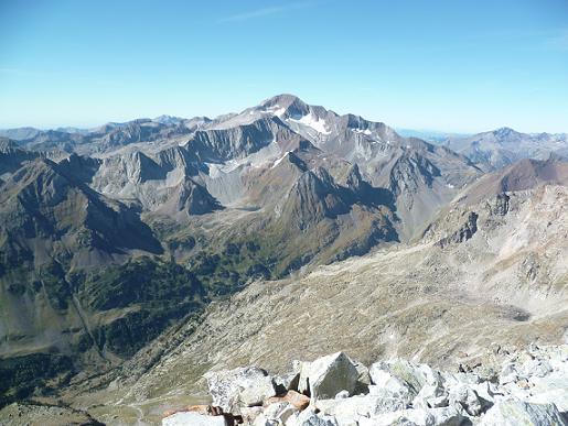 Du sommet du pic du Seil de la Baque (3110 m), Posets