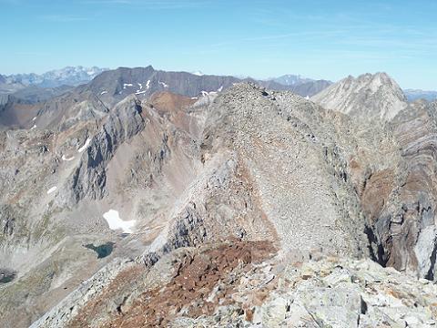 Du sommet du pic du Seil de la Baque (3110 m), devant Monte Perdido, Batchimale, Vignemale, pic Long et Gourgs Blancs