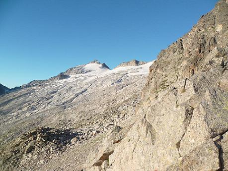 Du Portillon Inferior 2761 m, le pico de Aneto fait son apparition