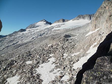 Du Portillon Superior 2900 m, le pico de Aneto, les restes de son glacier et son pierrier
