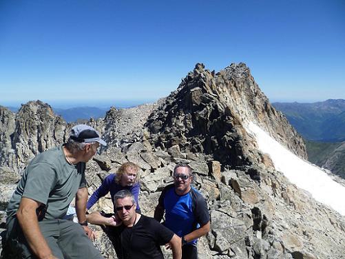 Au sommet du pico Abadias 3279 m, devant le pico de la Maladeta