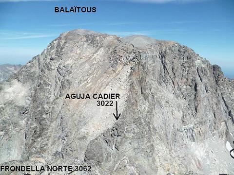 Du sommet de la Frondella Norte 3062 m, Le Balatous et la Aguja Cadier