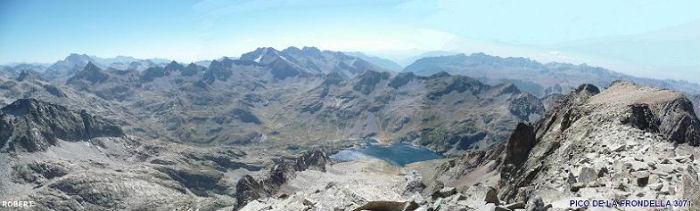 Du sommet du pico de la Frondella 3071 m, Vignemale, Grande Fache, Monte Perdido, Infiernos, Garmo Negro, Frondella Central et Embalse de Respomuso