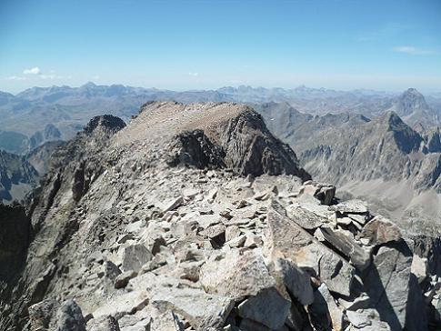 Du sommet du pico de la Frondella 3071 m, la Frondella Central