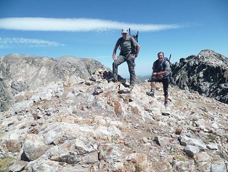 Au sommet de la Frondella Central 3055 m, devant le Balatous et le pico de la Frondella