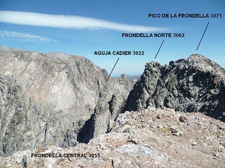 Du sommet de la Frondella Central 3055 m, la Aguja Cadier, la Frondella Norte et le pico de la Frondella