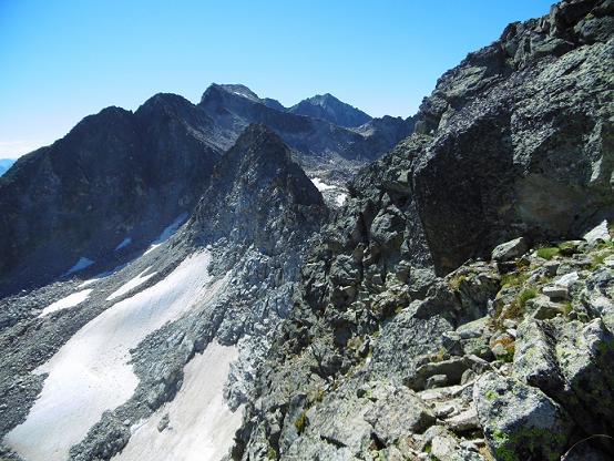 Remontée de la crête vers le sommet du pico de Alba