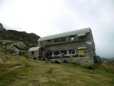Arrivée au refuge de Larribet (25060 m)