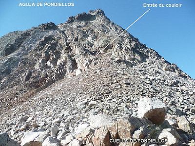 Du cuello de Pondiellos 2809 m, à gauche, la Aguja de Pondiellos