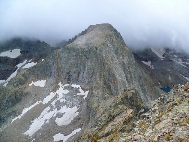 Du sommet du Grand Quayrat (3060 m), le cirque des Crabioules, le pic Lézat et le lac du Portillon