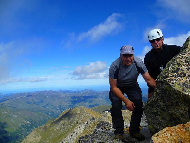 Au sommet du Grand Quayrat (3060 m) une belle éclaircie de quelques secondes sous les rafales de vent