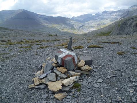 Depuis le Collado Superior de Goriz ou Collata Arrabla 2329 m, la Punta Tobacor, le Taillon, le Casque et la Tour