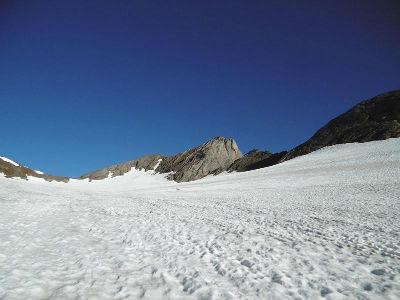 Progression sur le glacier d`Ossoue, la Pique Lonque du Vignemale