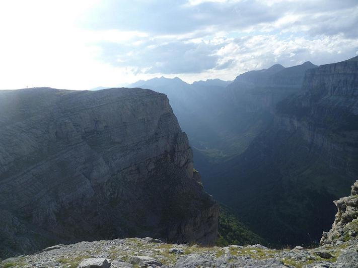Depuis la Fajeta de Ciarracils, le canyon de Ordesa