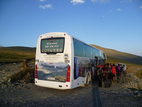 L`autobus vient nous récupérer près de la Brecha (brèche) de Arazas 2170 m