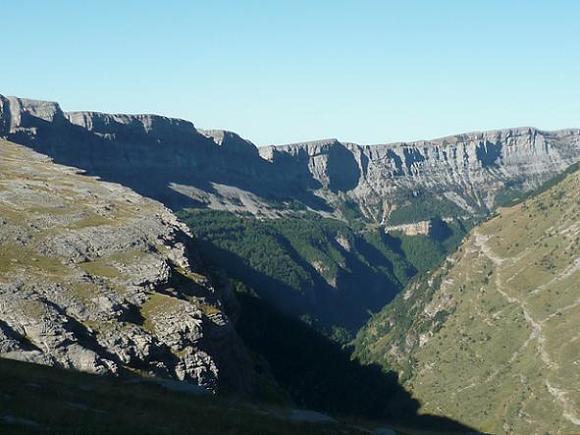 Regard derrière vers la vallée de Ordesa