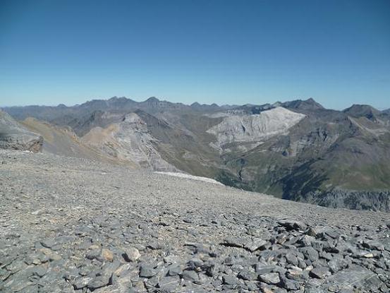 Du sommet de la Punta de las Olas 3002 m, les sommets du secteur Munia Troumouse