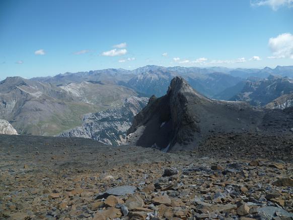 En allant vers le Soum de Ramond, on dépasse par la gauche le pico Baudrimont S E