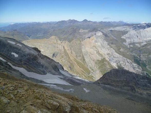 Du sommet du Soum de Ramond 3254 m, le massif Pic Long Néouvielle