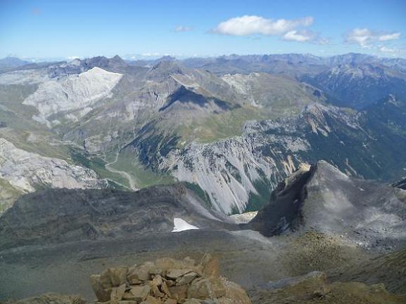Du sommet du Soum de Ramond 3254 m, le massif Munia Troumouse