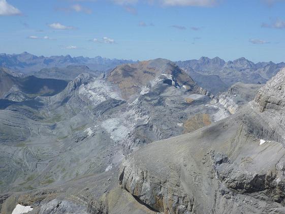 Du sommet du Soum de Ramond 3254 m, la Collarada, le Visaurin, le Taillon, Garmo Negro et los Infiernos