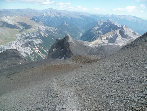 Descente du Soum de Ramond vers le pico Baudrimont S E