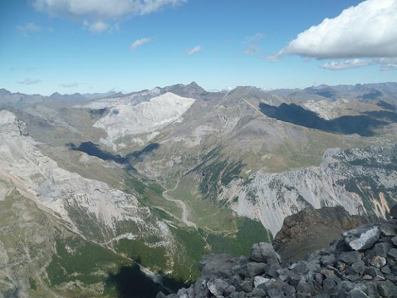 Du sommet du pico Baudrimont S E ou pico Navarro 3026 m, le secteur Munia Troumouse