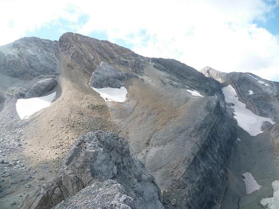 Du sommet du pico Baudrimont S E ou pico Navarro 3026 m, le Soum de Ramond ou pico de Anisclo
