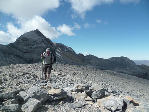 Repassage, en étant lessivé, au sommet de la Punta de las Olas 3002 m