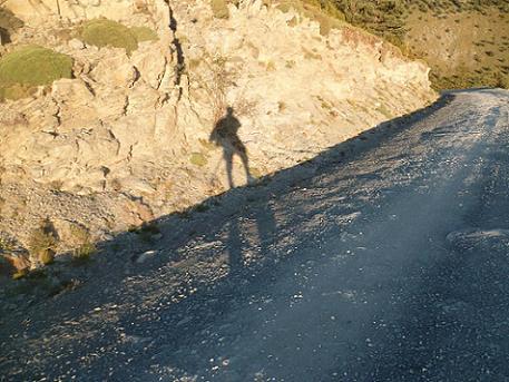 Du Cuello de Arenas, retour vers Nerin en suivant la loooooooooooongue piste