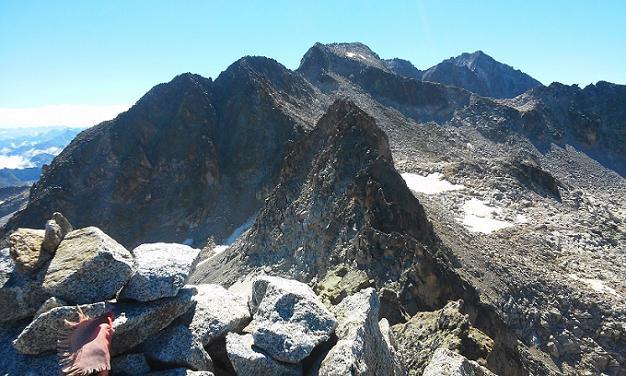 Du sommet du pico de Alba (3118 m), le pico de la Maladeta