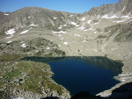 Passage près de l`Estany Gemena de Dalt 2270 m