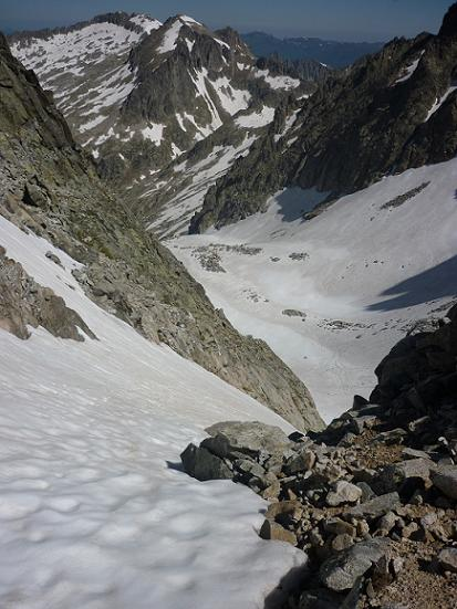 Du coll d`Abellers 2885 m, le premier couloir du versant Nord