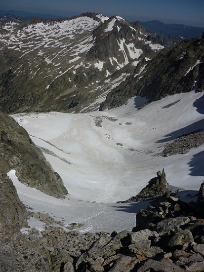 Du coll d`Abellers 2885 m, le second couloir du versant Nord