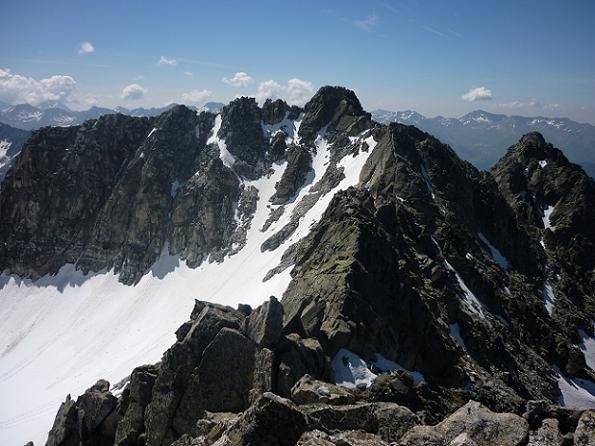 Du sommet du Besiberri Sud 3030 m, le pic de Comaloforno