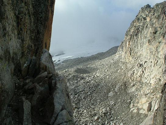 Du Portillon Superior, on voit les restes du glaciar de Aneto