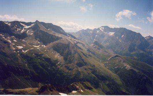 Du sommet du pic de Batoua, le Posets